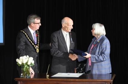 Mayor, Ben & Marianne handshake